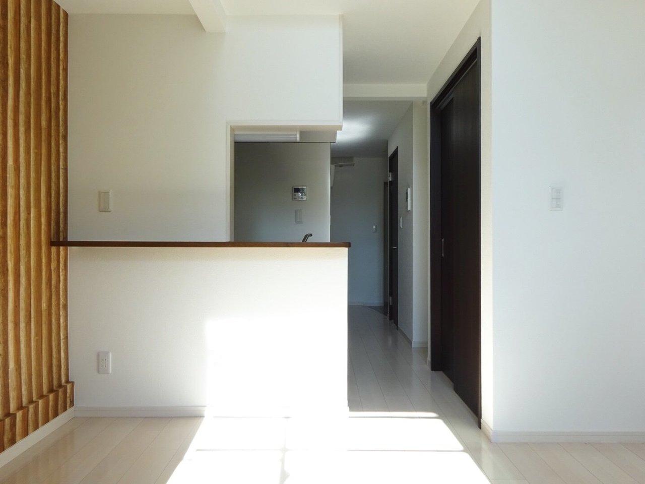1階リビングはカウンターキッチンが。料理の香りが部屋いっぱいに立ち込める。そんな生活いいですね。
