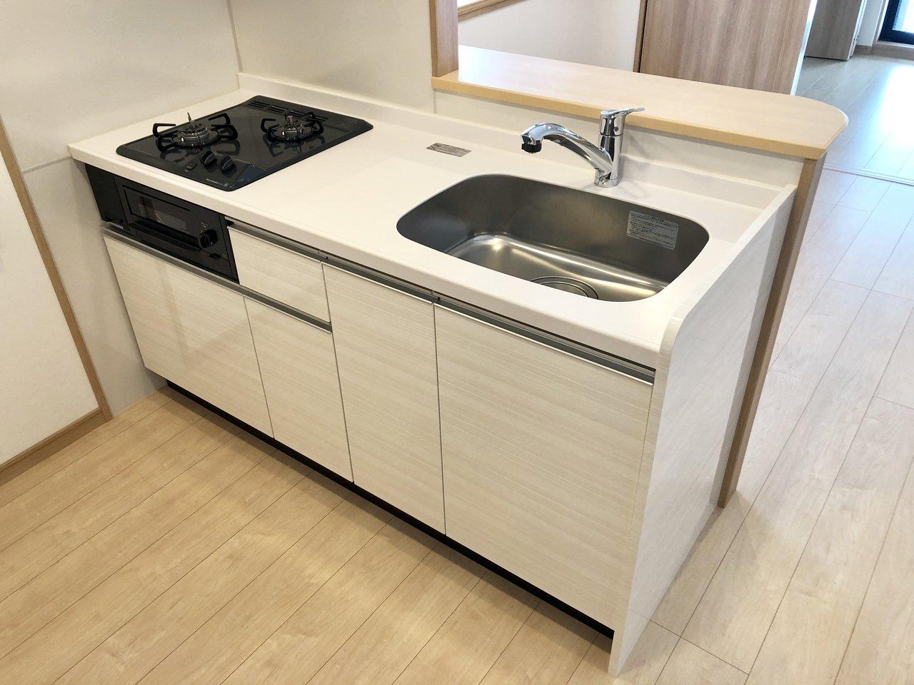 新築なので、キッチンやバスルーム、洗面スペースなど、もちろんピッカピカ。設備面を重視する方にもおすすめです。