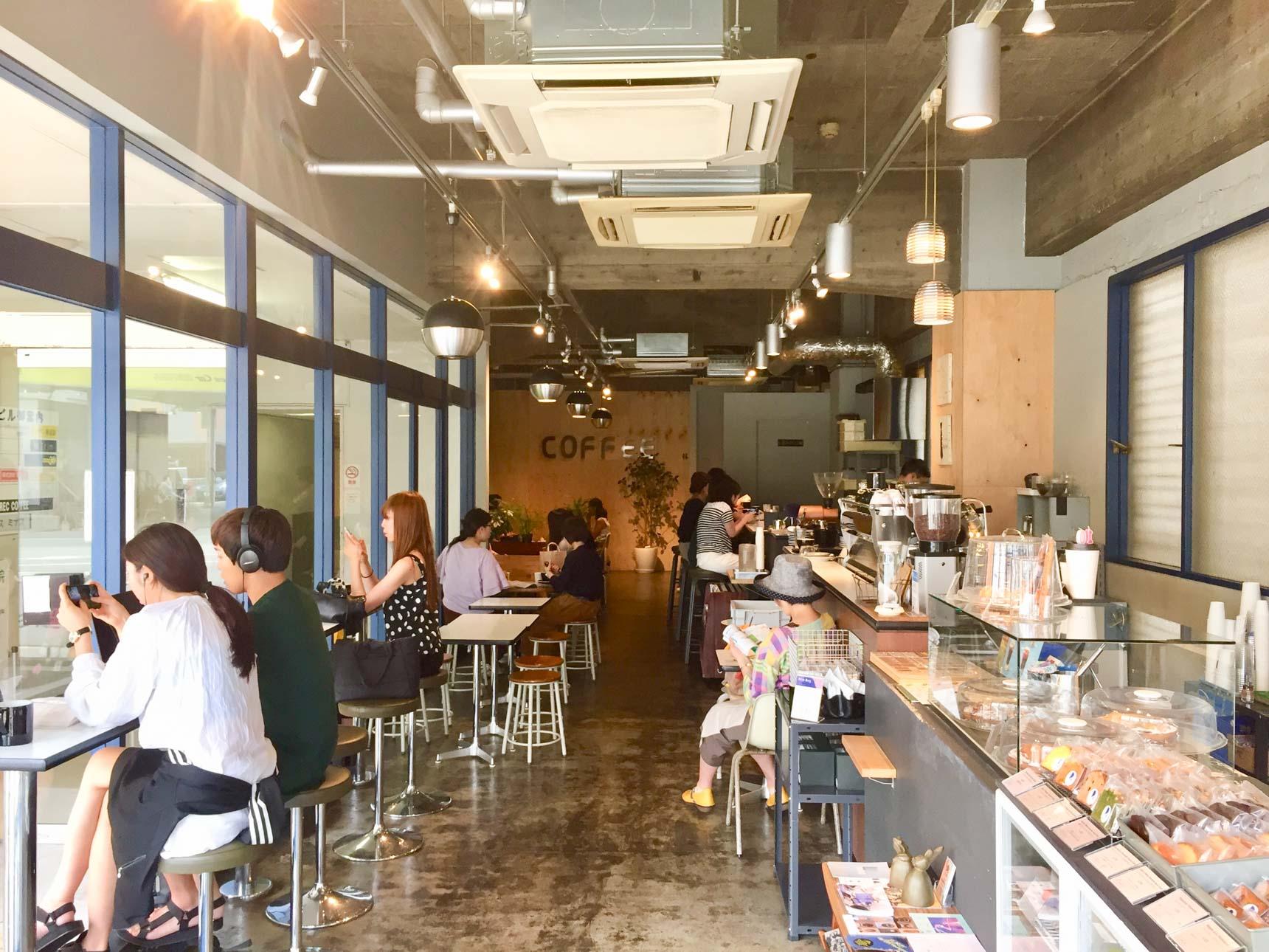 福岡のコーヒーシーンを牽引する代表的なお店として名高いカフェ。