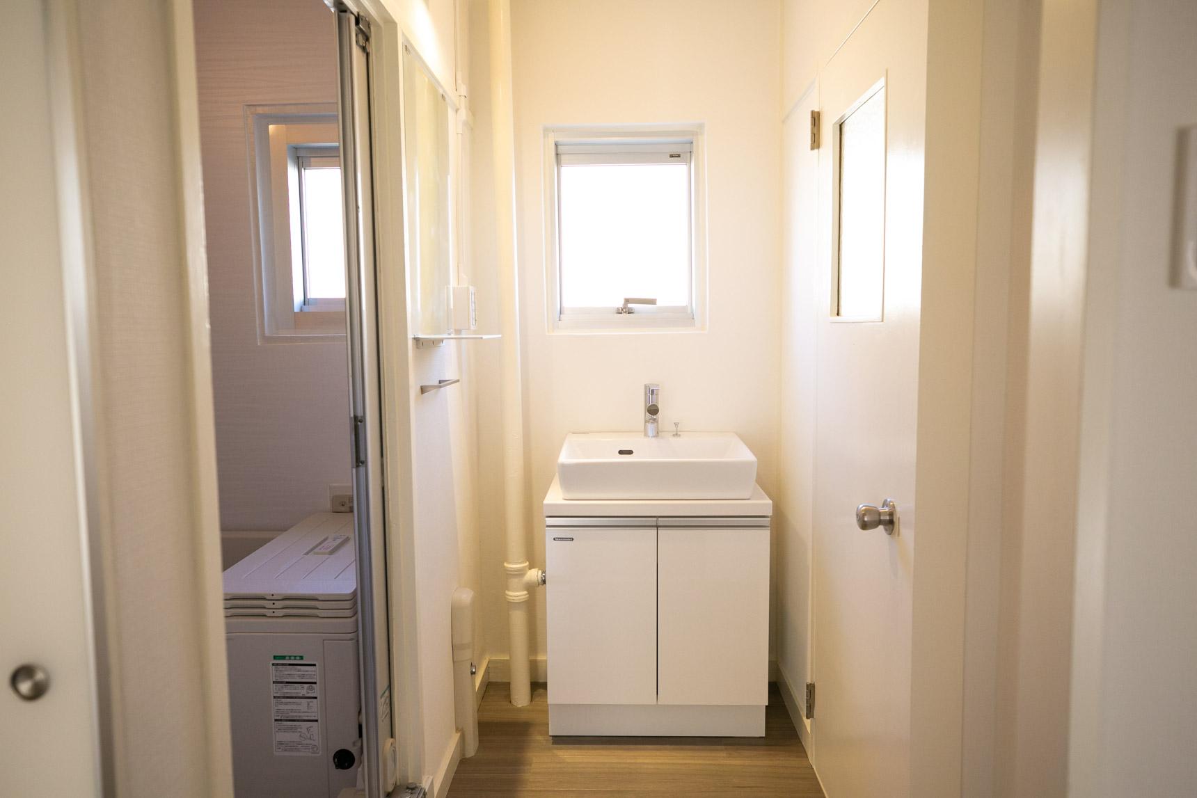 かなりスタイリッシュな洗面台がついている!これは嬉しいです。