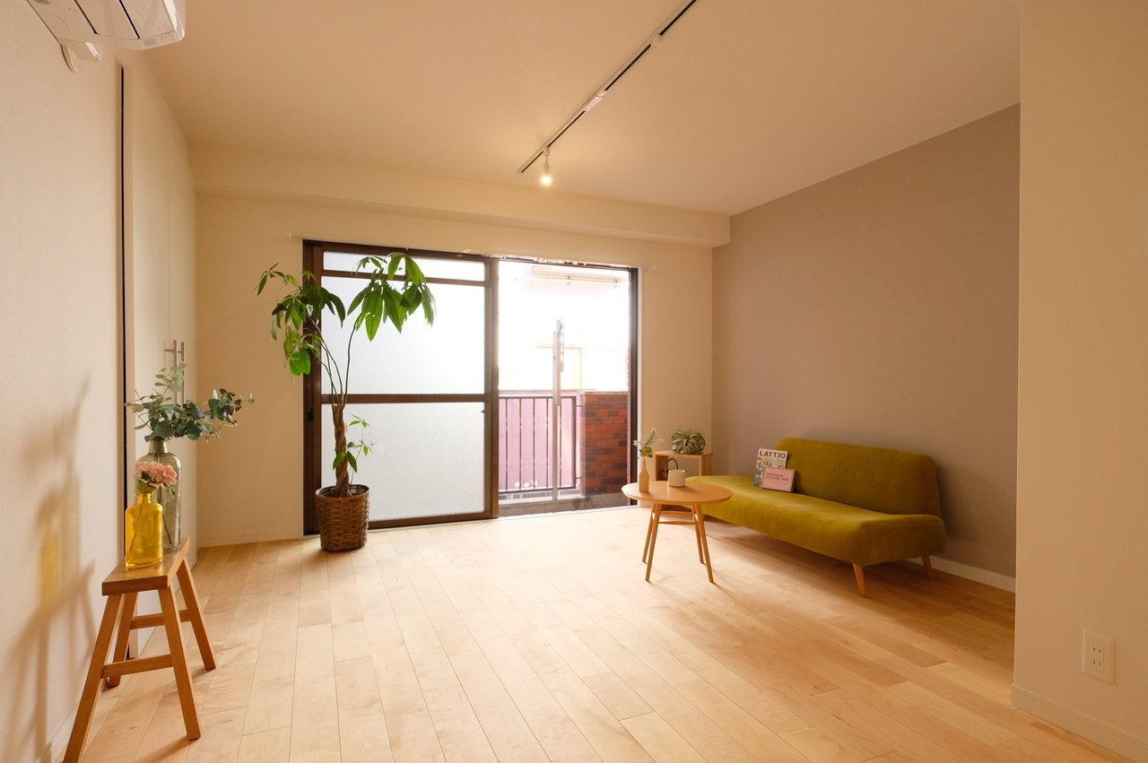 お部屋は42㎡の1LDK。goodroomのナチュラルオリジナルリノベ「TOMOS(トモス)」仕様の温かみのあるデザインに仕上がっています。(2019年3月中旬頃から入居可能予定です)