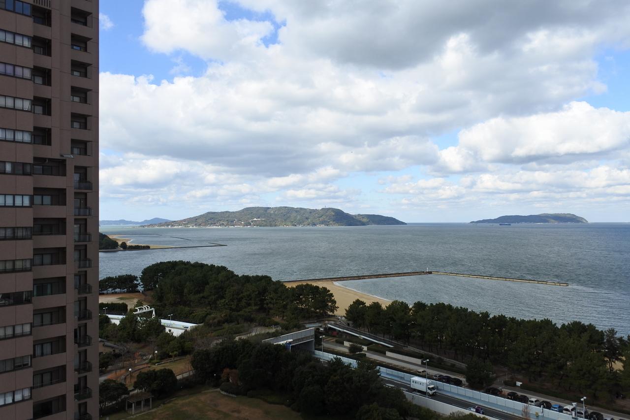 百道浜の高層マンションには、海が見えるお部屋もあります。