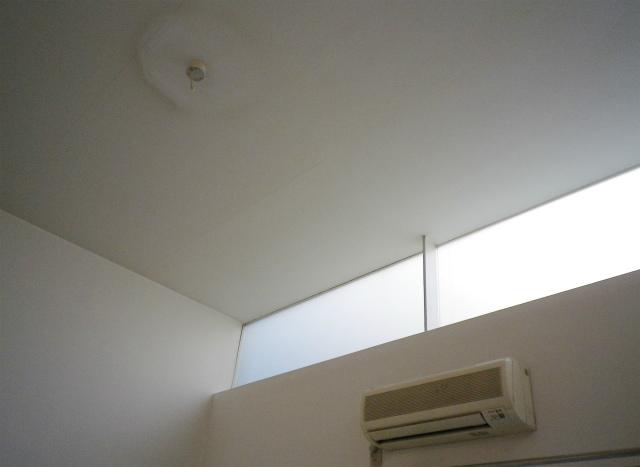 天窓からの光がいいですよね。