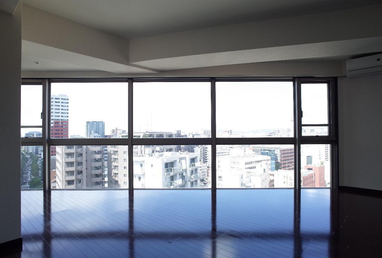 タワーマンションの19階。どんな景色が広がるんだろう、楽しみです。※写真はどう間取りの9階の眺望です。