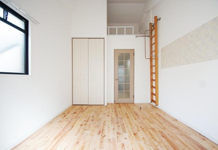 小さなお部屋でも、インテリアに思い切りこだわれそうです。