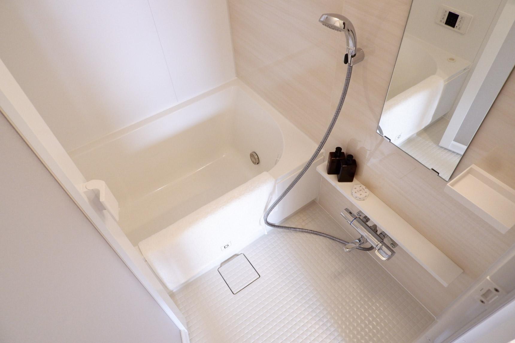 水回りはフルリノベーションされていて、キッチンもお風呂もピカピカです。