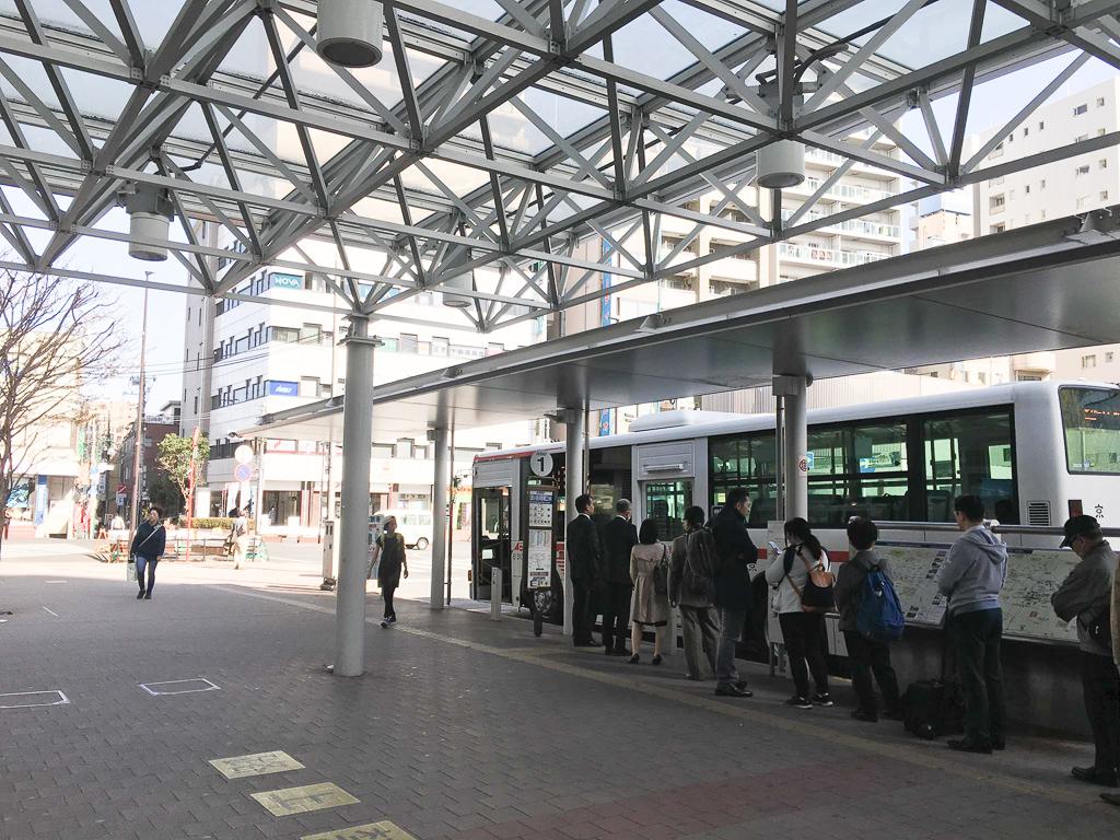 バスが充実している、武蔵小金井駅。