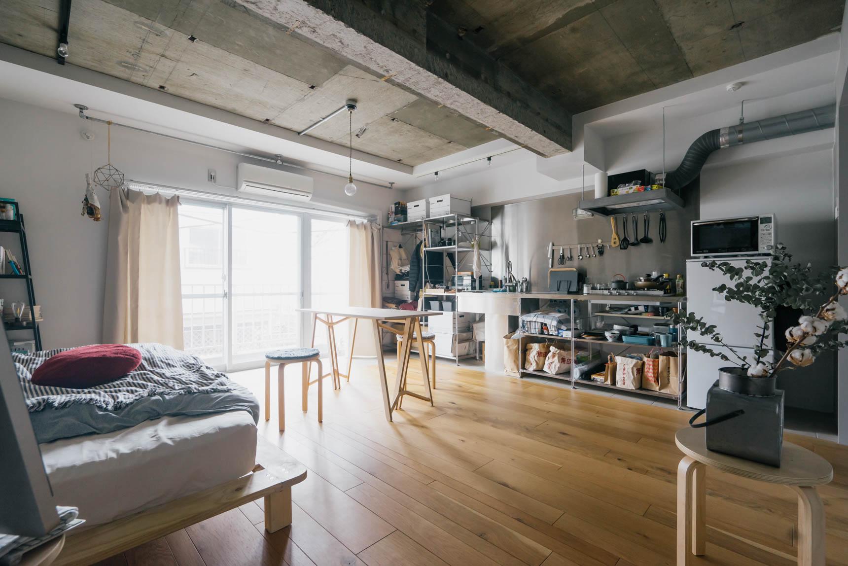 広さがあり、天井が高いこともあって、かなり開放的な空間。