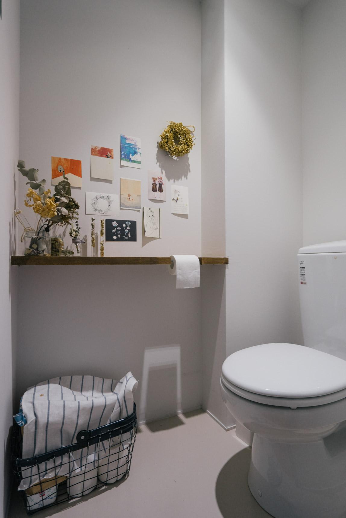 トイレにも、ちょっと飾るスペースがあるのが素敵ですね。