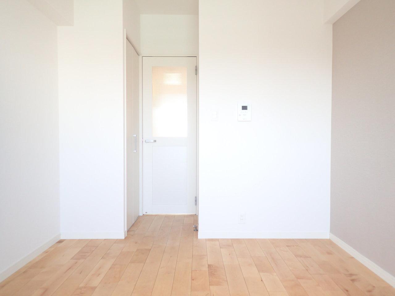 コンパクトではありますが、一人暮らしには十分なサイズ。お部屋は天然の木材をふんだんに使ったgoodroomオリジナルリノベーション、TOMOS仕様になっています。