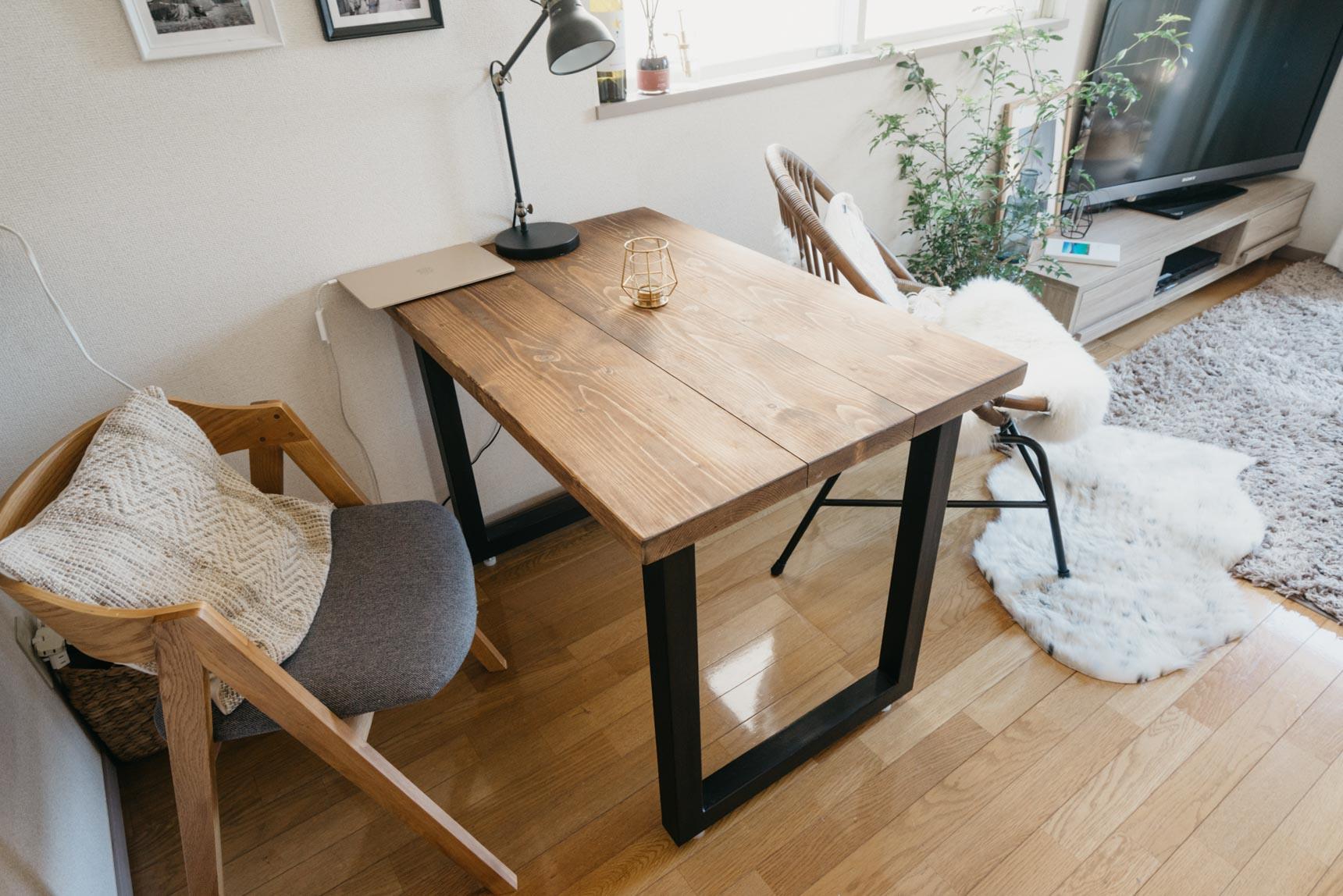 ひとり暮らしでも、ダイニングテーブルが置けるお部屋って、イイ。