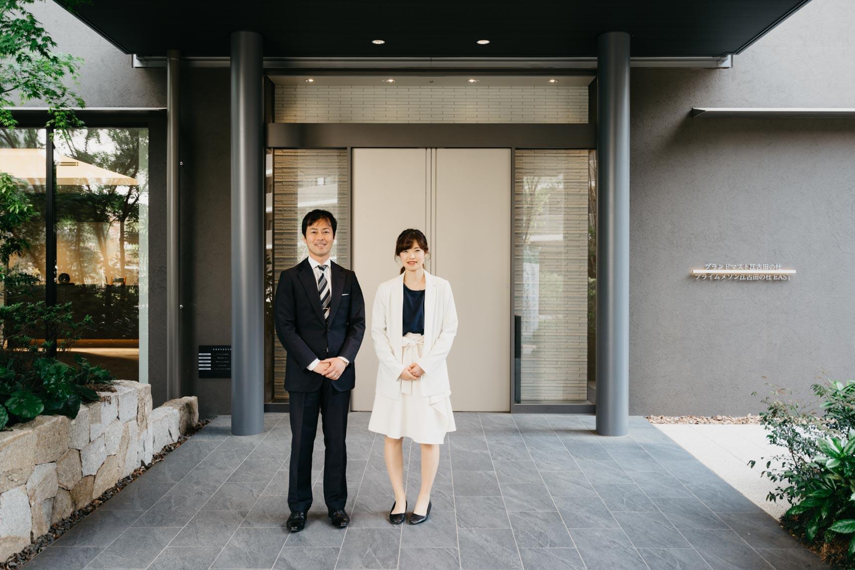 ご案内してくださったのは「プライムメゾン江古田の杜」を管理する株式会社イチイの高野さん(写真左)と清水さん(写真右)。