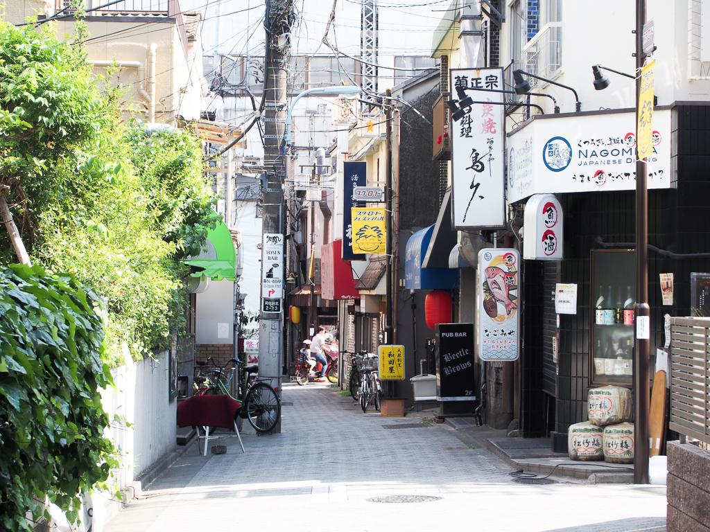 住めば住むほど、味わい深い街。阿佐ヶ谷駅は、人を惹きつける不思議なパワーの宿る街でした。