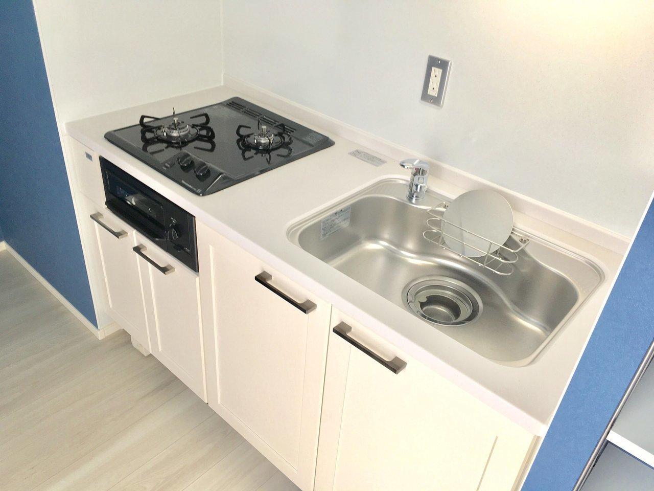 新築物件の良いところは、設備がかなりしっかりしたものがついていること。キッチンもデザイン、機能ともに十分です。