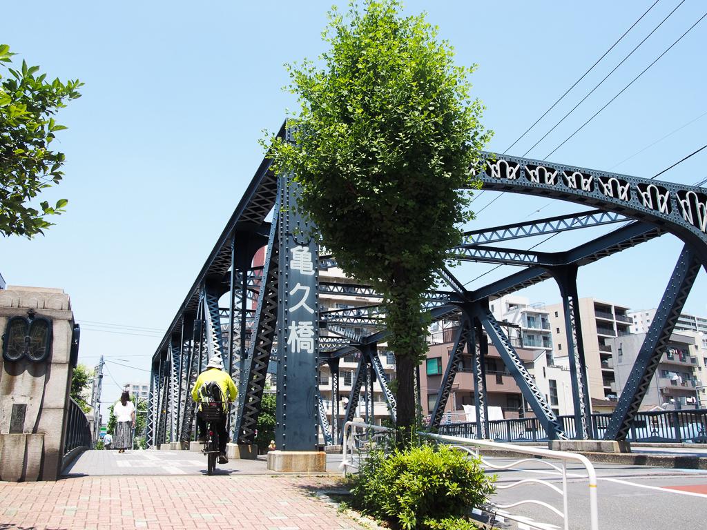 それぞれ違う橋のデザインも散歩して見てみてください。