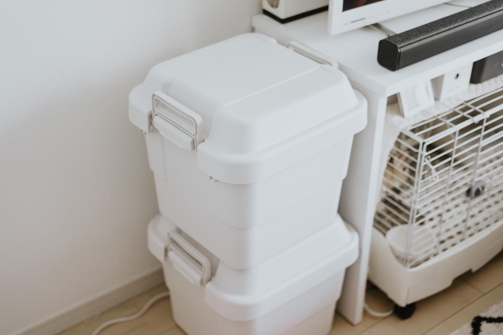 4ka*さんのお部屋では、「ときどき使う」お菓子作りの道具をこちらに収納。湿気やホコリをシャットアウトしてくれるので、ナイスアイディアです。(このお部屋はこちら)