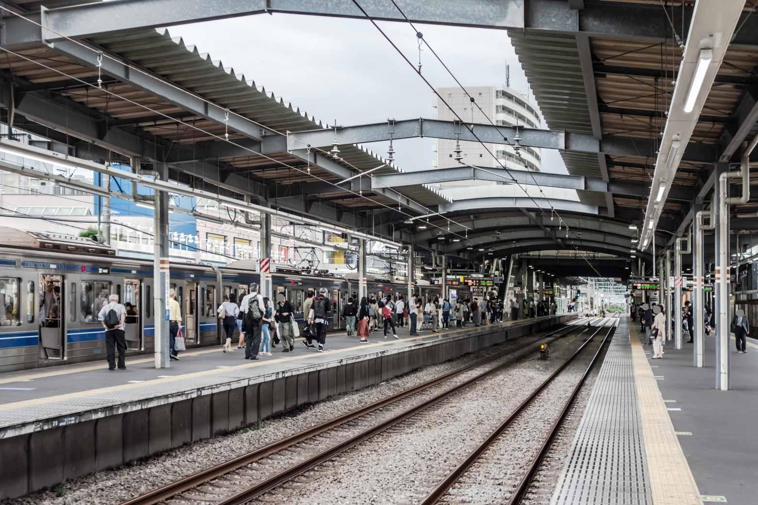 駅は整然とした雰囲気でした。