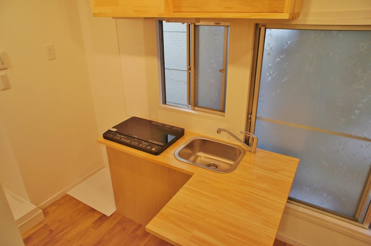キッチンはL字型。この形、なかなか他では見つけにくい物件ですよね。