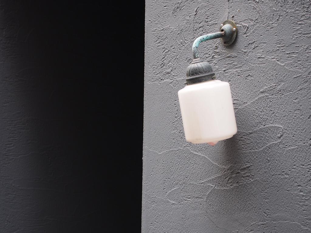 昔ながらの照明を残す、粋なリノベーション。