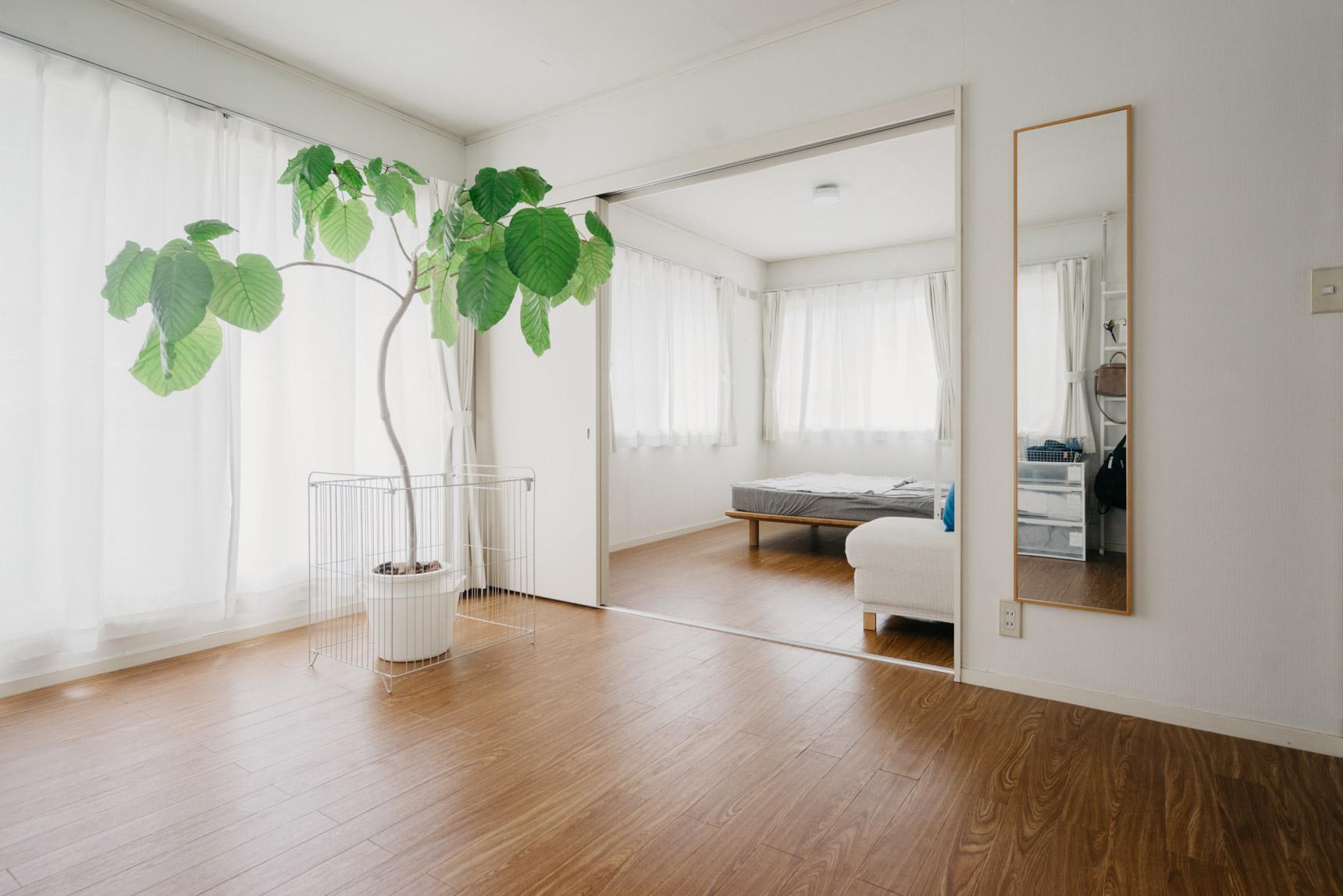 2階にお邪魔すると、そこはさらにシンプルな空間が…!