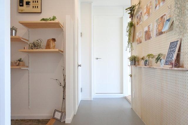 こちらは、グッドルームオリジナルリノベーション賃貸のお部屋。土間×有孔ボードの組み合わせで、可能性が広がります(写真は別室イメージです)