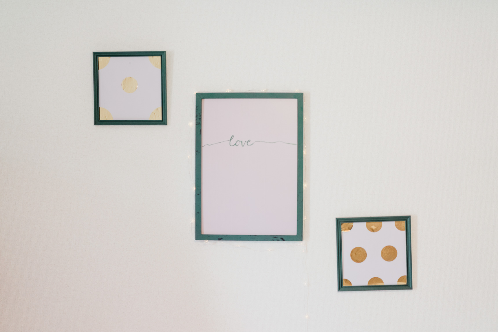絵を描くのもお好きなあかねさん。こちらのアートは、ご自身でつくられたもの。部屋の雰囲気にぴったりです。