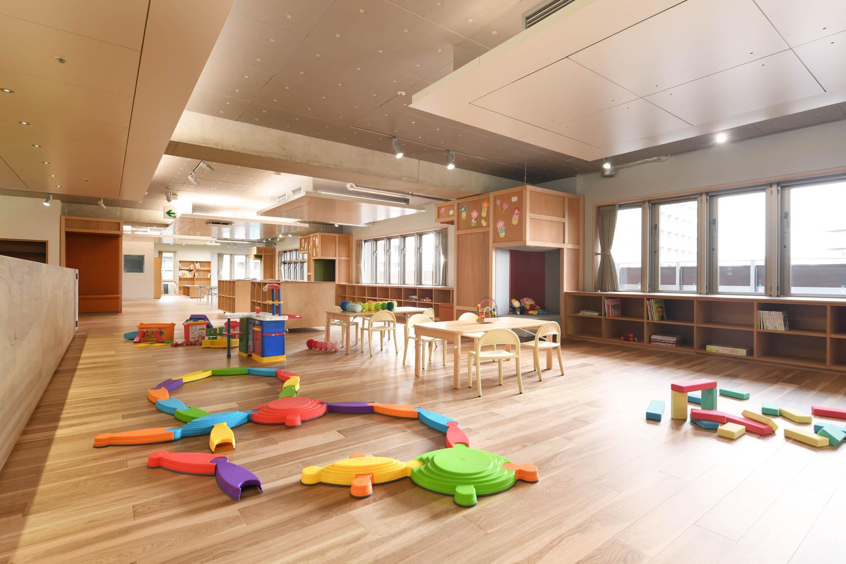 ここなら安心して子どもを預けて、しっかり仕事ができる。そう思える整った設備です。