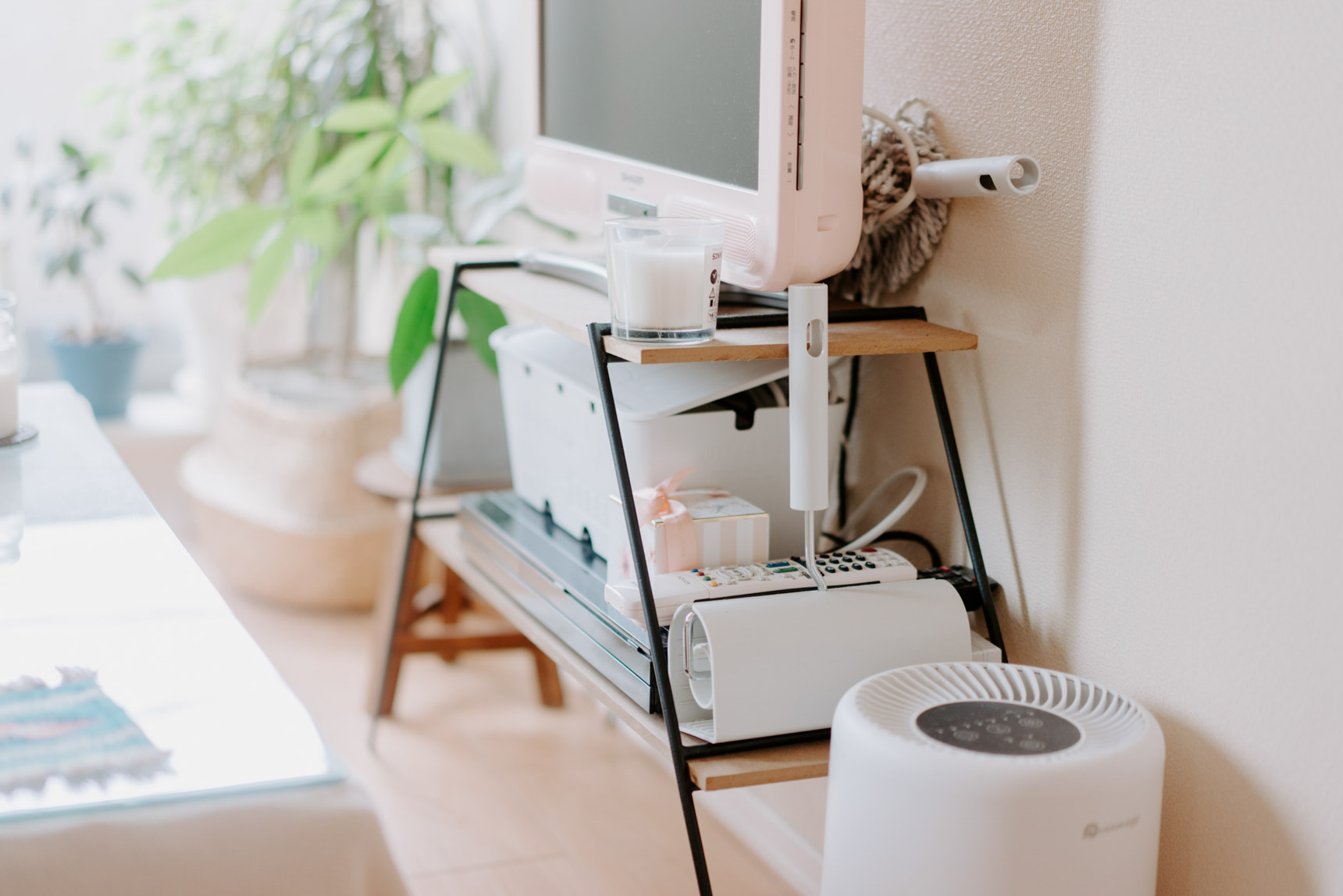 テレビボードは、横幅が大きすぎないものを探してNATURAL KITCHENで購入。