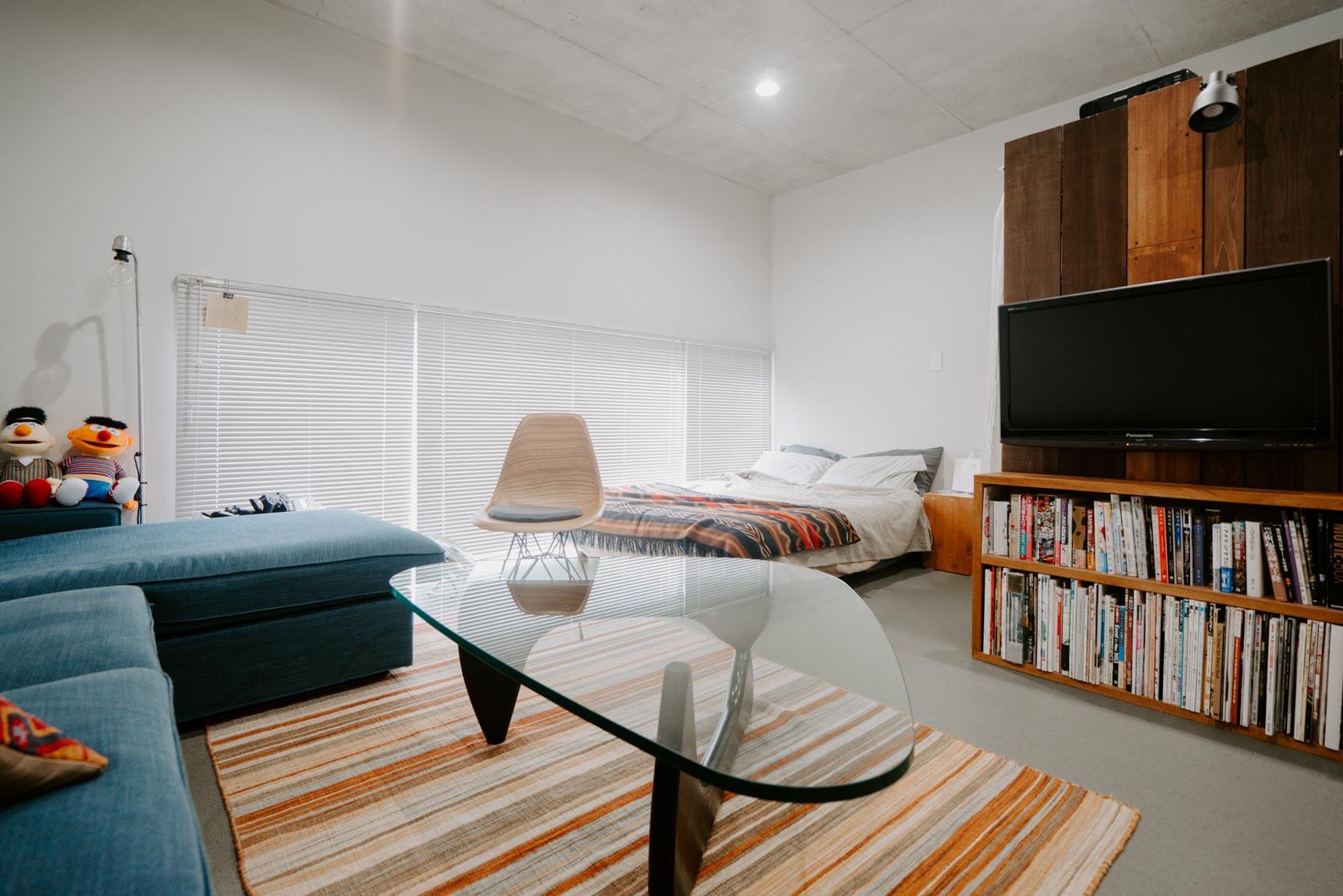 天井や壁は一部コンクリート打ちっ放しのデザイナーズワンルーム。