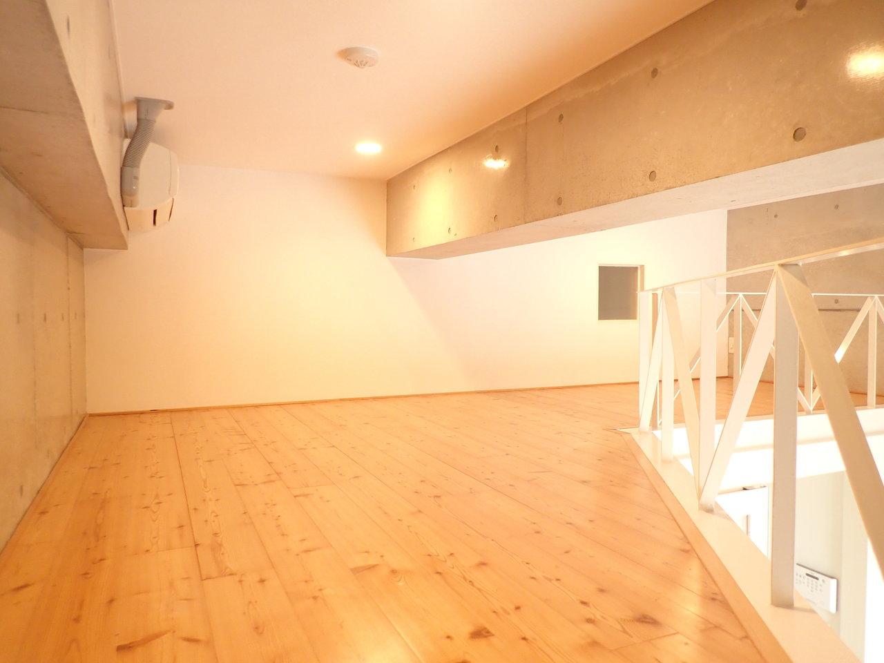 ロフト部分も十分な活用スペースになります。寝室に使ったり、収納スペースが少ない分、物置に使えたりと自由度は高めです。