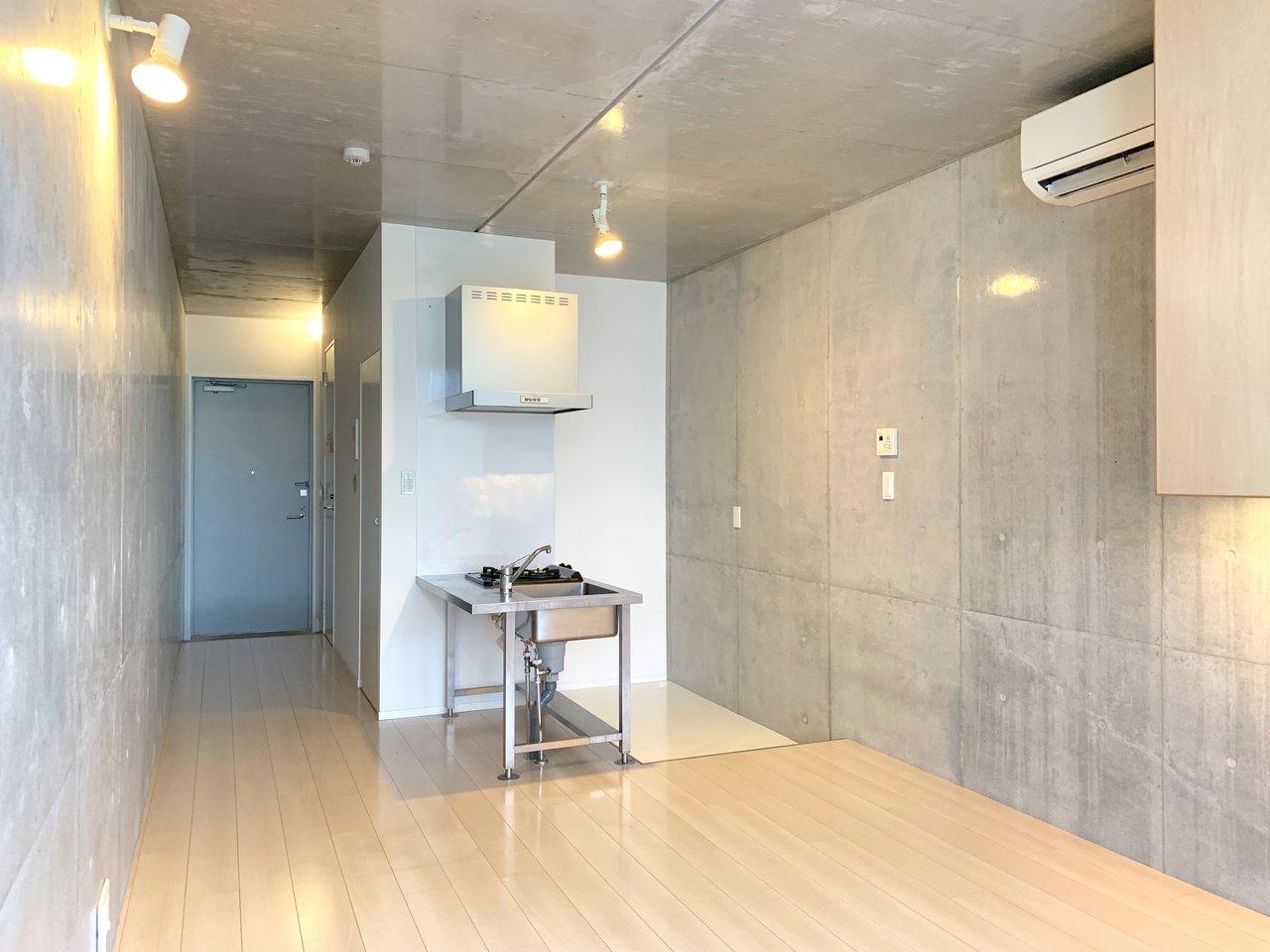 メンズライクに暮らしたい。東京・コンクリート打ちっ放しの壁があるお部屋まとめ