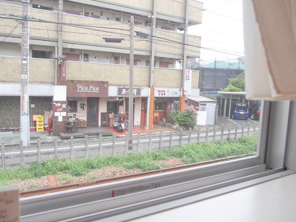一人でも、友人が遊びに来た時も、窓側の席に腰を下ろして世田谷線のゆっくりとした電車の走る音を聞きながら一息つく時間は、きっと格別です。