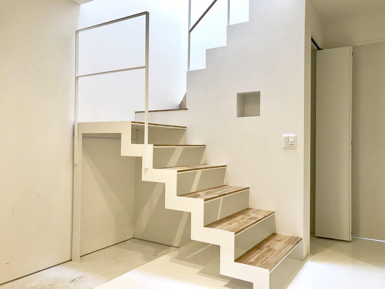 階段もデザイン性があってかっこいいですね。