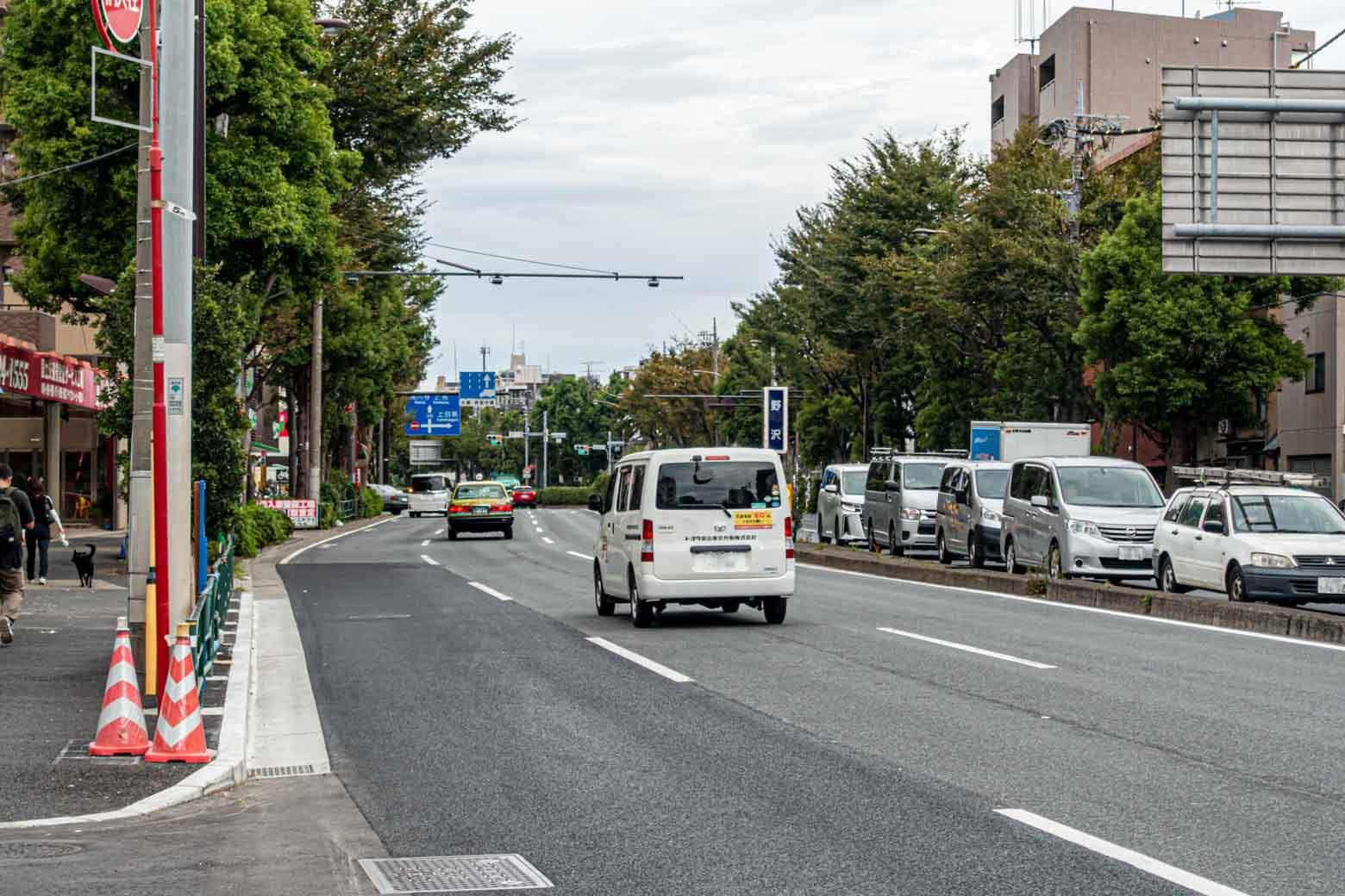 今回は東急東横線の学芸大学駅から環七通りを北上するルートを選択。 width=