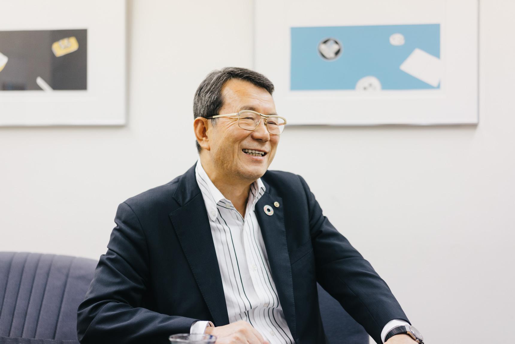 お話をお聞かせくださったのは、代表取締役社長の荒井伸吉様。