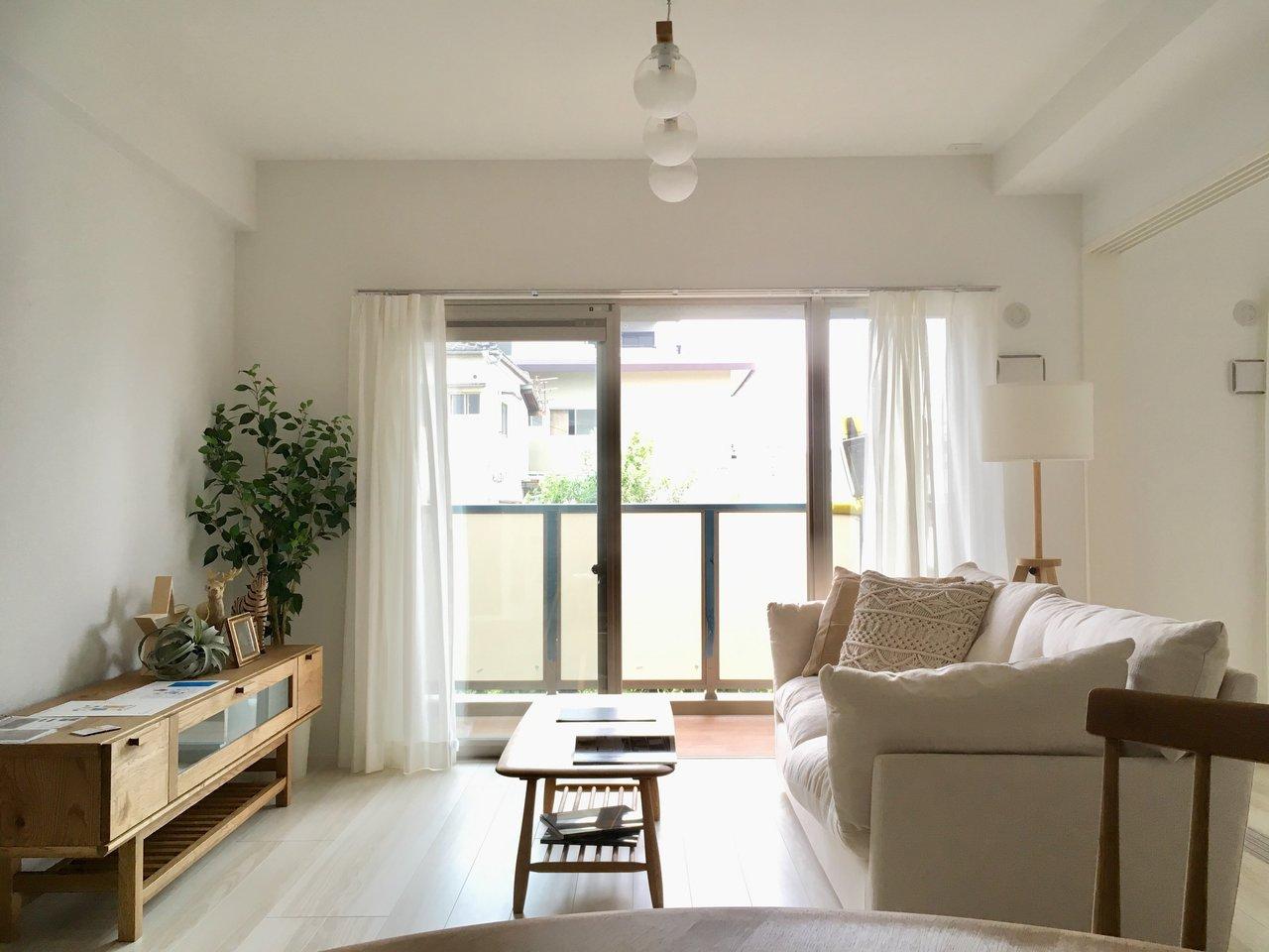 内装も落ち着いた雰囲気。北欧系のシンプルなインテリアが似合いそうですね※家具、小物はサンプルです