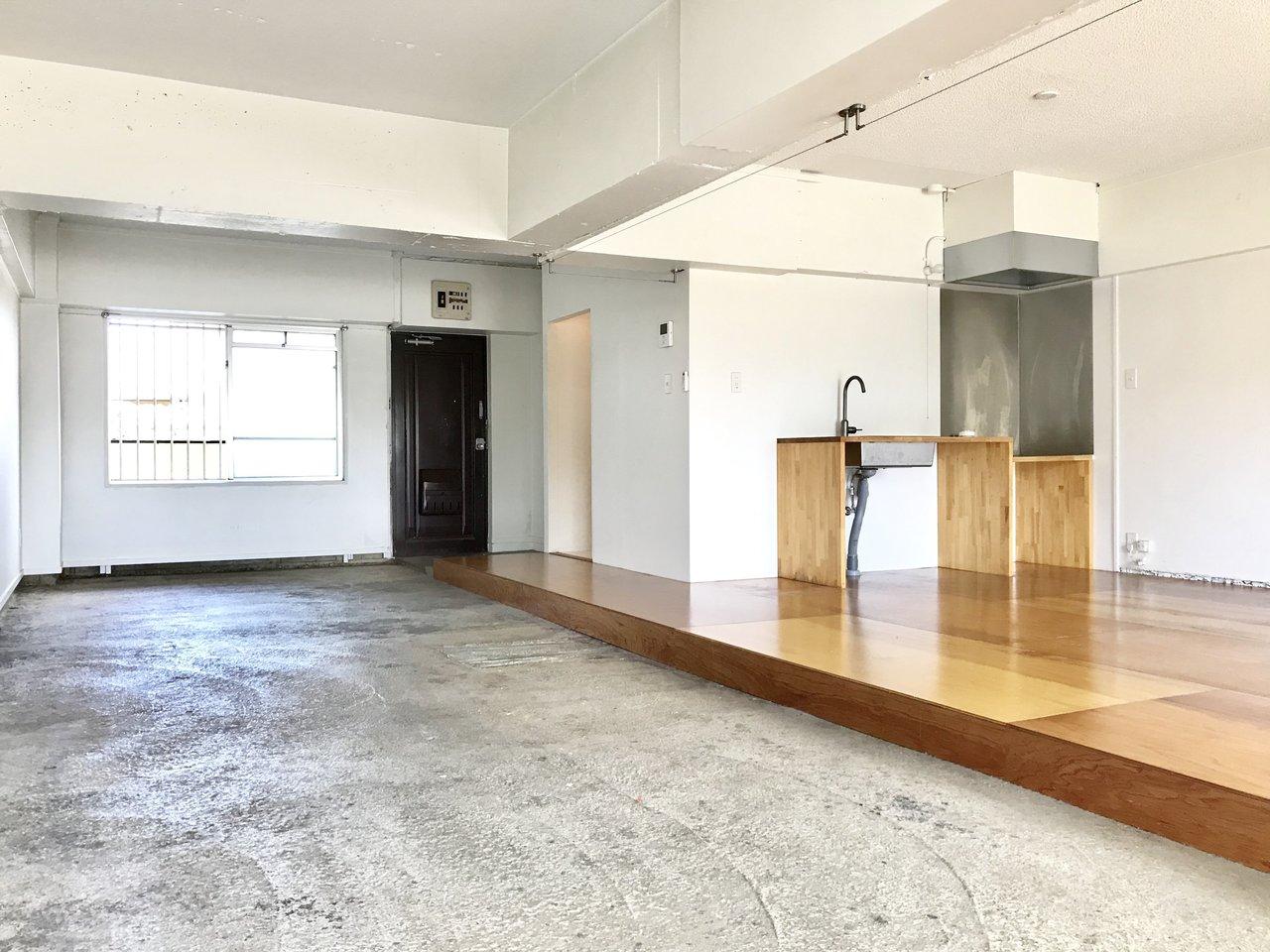 かなり思い切ったワンルームリノベ。なんと約16畳の広々の土間がついています。グリーンを飾ったりソファをどーんと置いたり。楽しみ広がります。