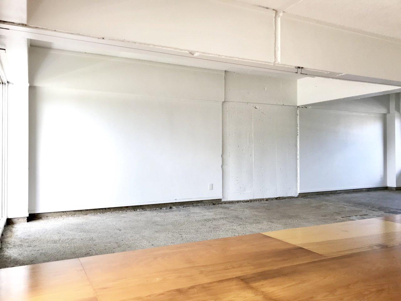 そしてこのお部屋、セルフリノベOK。この壁何色に塗りましょうかね?