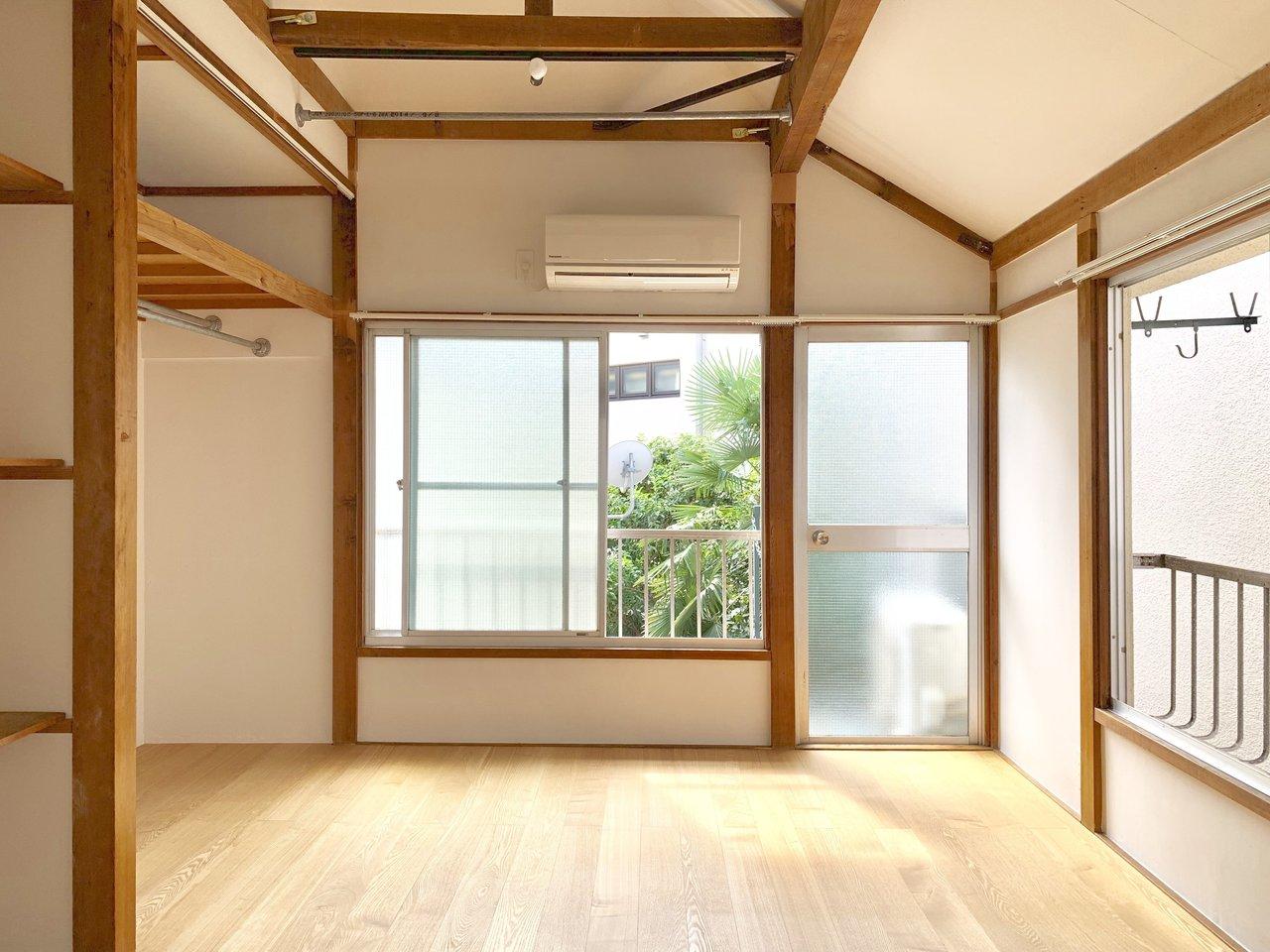 続いては、珍しい和テイストのお部屋のご紹介。目黒という都心の一等地にありながら、こうした和の雰囲気を感じられるというのは、なかなかギャップがあって素敵です。