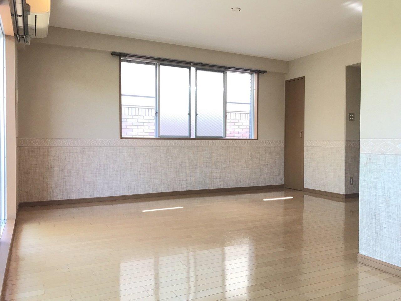 角部屋2面採光の広々13.6畳!どんな風に家具を置こうか楽しみ。