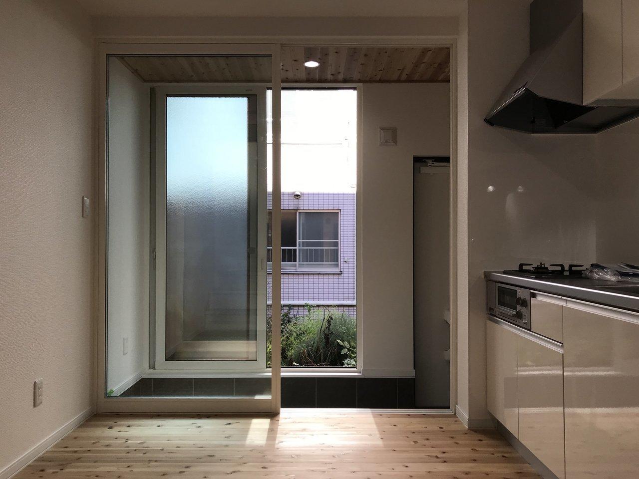 木造ですが、玄関が二重扉になっているため寒さ対策はバッチリ!冬の寒さを考えたら、このくらい備えがあればうれしい限り。