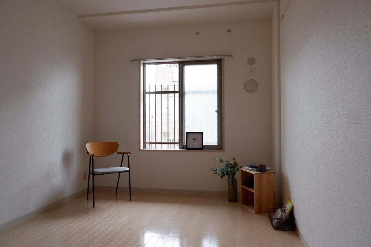 寝室にする部屋も、6.2畳あるのでダブルベッドも圧迫感なく配置できそうです。クローゼットも各部屋にあるので、二人分の収納にも困りませんね。
