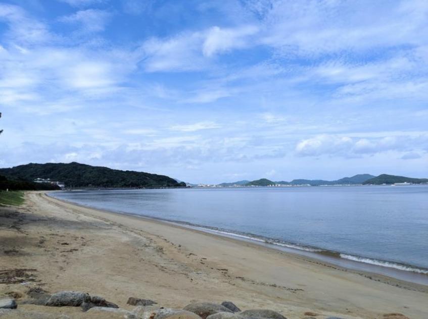 生の松原海岸森林公園・海水浴場がすぐ近く。歩いてビーチに出られます。