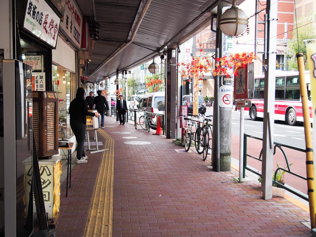 レトロな雰囲気がプンプンする、味わい深いアーケード街。