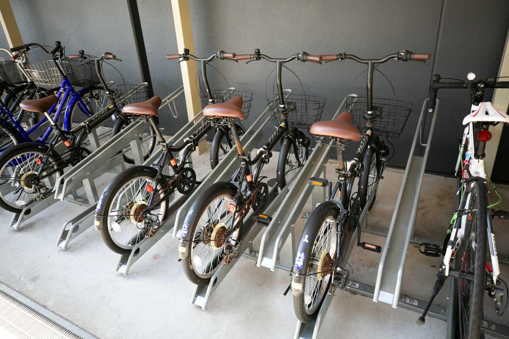 シェアサイクルも複数台設けられているので、サイクリングもいいですねぇ