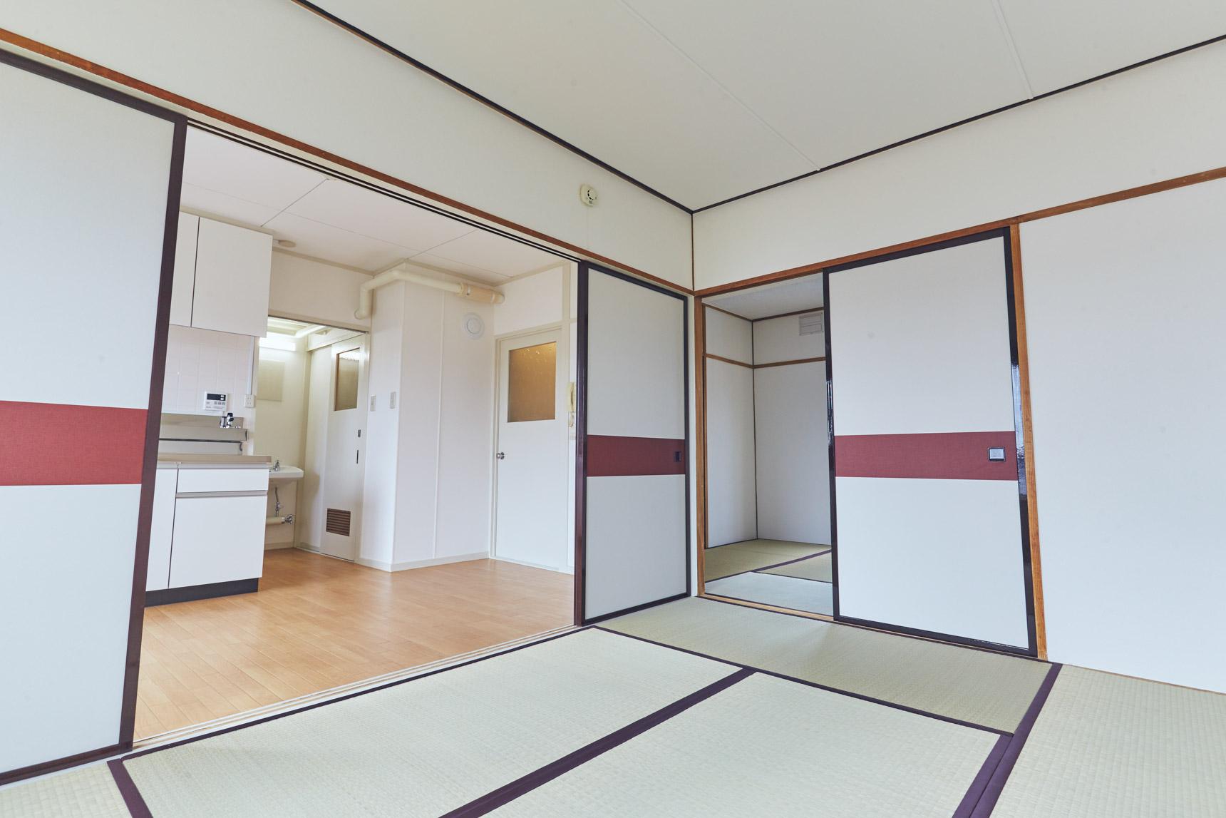 お部屋は、大麻宮町と同じ2DK。間の襖は取りはずしてしまって、1LDKのように使うというのもアリですよ。