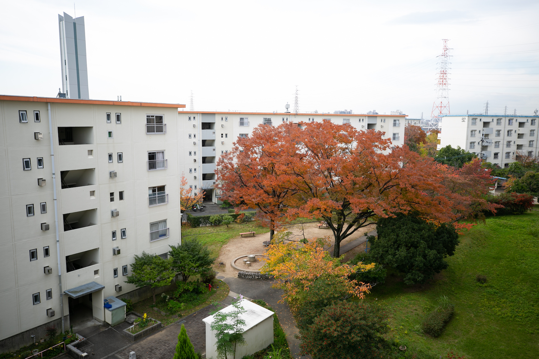 敷地内にウォーキングコース!緑あふれる環境と賑わいのある富田で、楽しい団地暮らし始めませんか