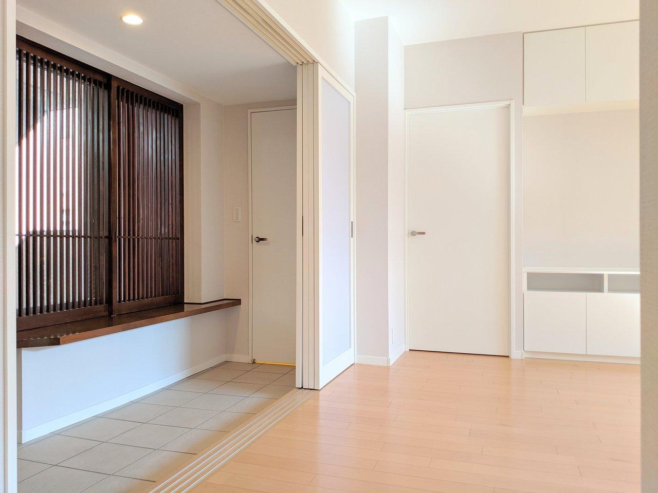 2013年築とまだまだ築浅のこちらのお部屋は、土間が広い!ベビーカーをどん、とリビングに横付けできちゃう便利さです。