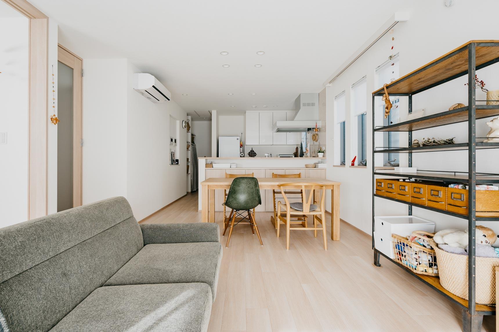 賃貸のお部屋でも、かなりゆったりとつくられた間取りもポイント。大きなカウンターキッチンがとても使いやすそうです。