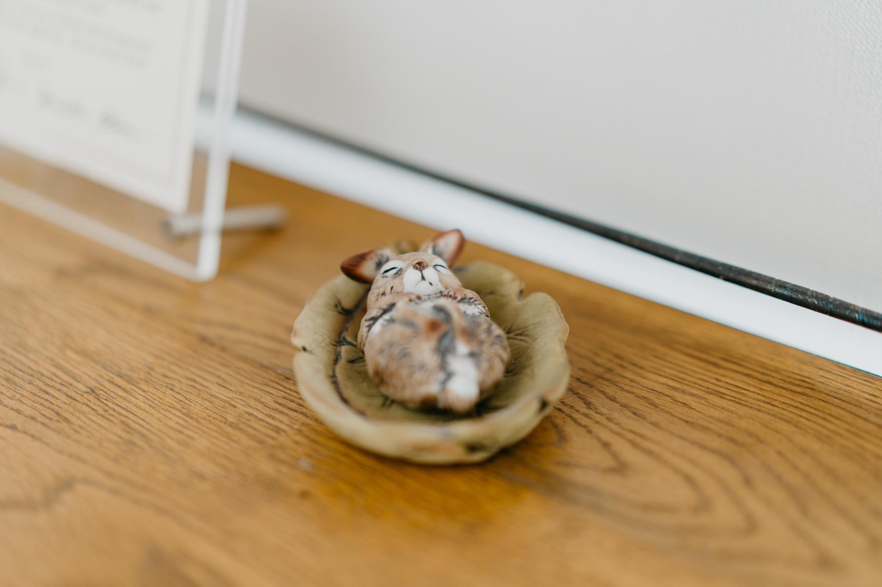 こちらのうさぎの置物は、kanakoさんが小学生の時にお父様からお土産として貰ったもの。ずっと大切にされているそうです。